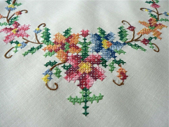 1920s vintage tablecloth cross stitch crochet work colourful charming