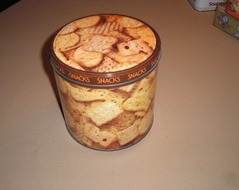 Vintage Nabisco snack tin