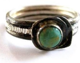 TREASURE RING - 925 Sterling silver recycled oxidezed with a Turquoise stone