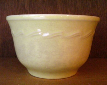 Small Vintage 1940's Era Light Creamy Yellow Bowl with Wavy Pattern
