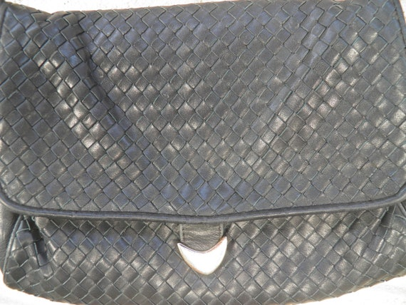 1980s/1990s Woven Soft Leather Navy Shoulder Bag with Detachable Strap By Ganson