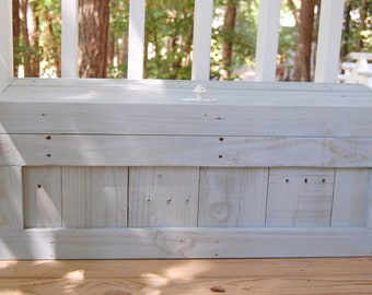 Hope Chest / Toy Box / Reclaimed Wood/ Storage/ Coffee Table/ Small Chest