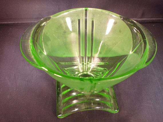 Art Deco Pressed Glass Dish Green Original Vintage Piece 20s Bagley England Collectable Gift Very Good Condition