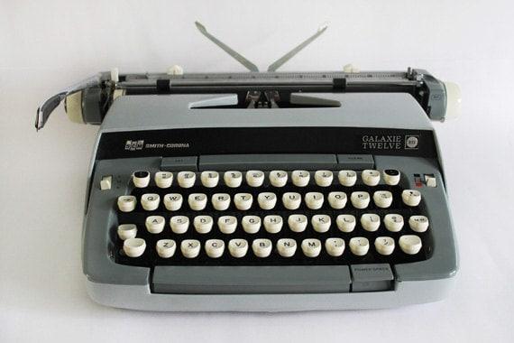 Vintage Manual Typewriter/ Smith-Corona Galaxie 12