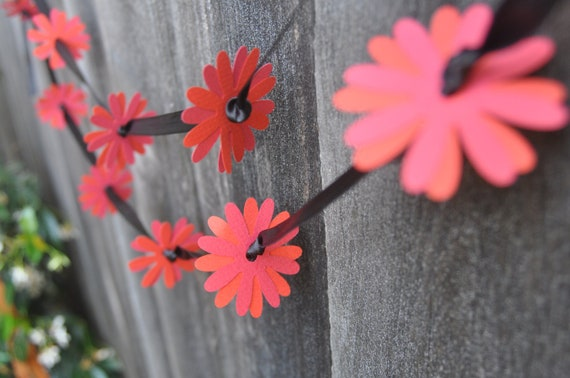 Red and Black Flower Garland - Paper Gerber Daises  - Wedding Decoration - 10' long