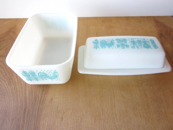 Pyrex Amish Butterpint- Turquoise and White Butter Dish and Baking Dish