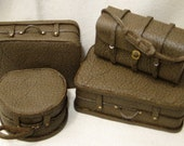 4 Piece Luggage Set, Olive green leather - JoyceBernardMiniatur