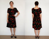 Vintage 80s does 40s Sweetheart Red Rose Print Dress Size Medium