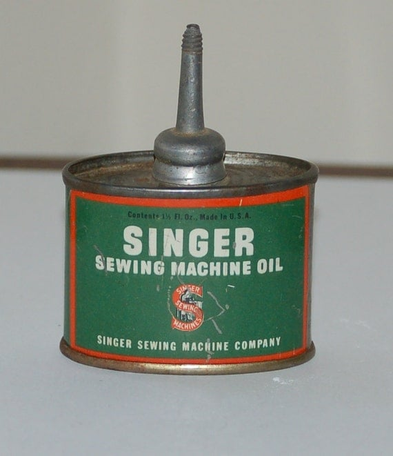 Rare SINGER SEWING MACHINE Oil Can 1 1/2 oz