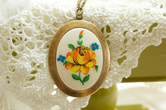 VintageYellow Flower Necklace
