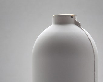 Big English fine bone china white bottle with real gold