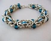 Glass bead chainmail bracelet