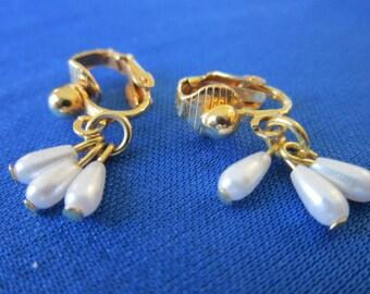 Vintage Petite Faux Pearl Earrings Lovely