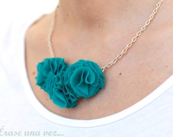 Sweet Green fabric Flowers Necklace Choker.