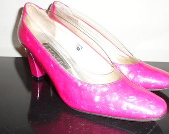 shocking  pink j renee clear  shoes 2 1/2 inch heel  great design and look size 7 m
