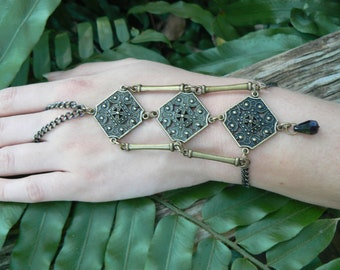 belly dancer hand chain tribal fusion brass halloween  slave bracelet  moroccan gypsy boho hippie tribal  belly dancer style