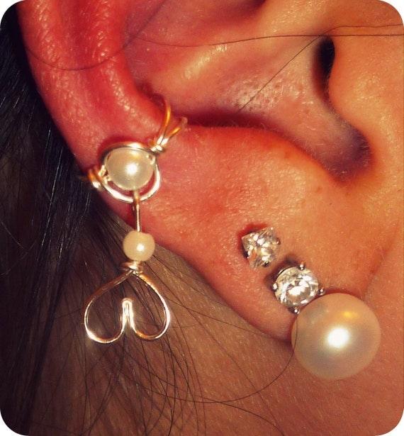 Ear Cuff - Heart Hanging