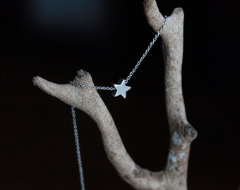 Tiny Star Necklace -SILVER tone - Shining Star- SILVER -