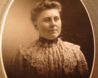 Photo of Lady with Lace Collar