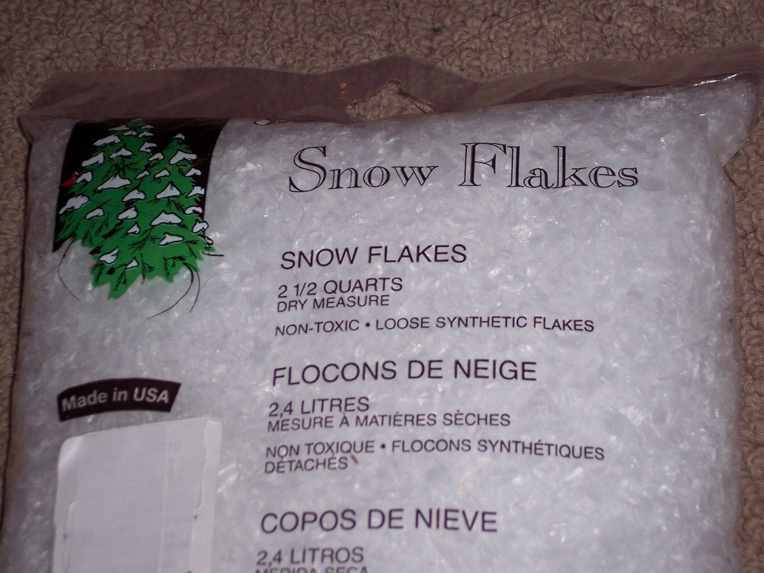 Best artificial snow flakes fluffy pe material fake