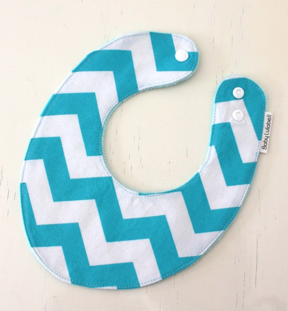 Dribble bib - blue chevron