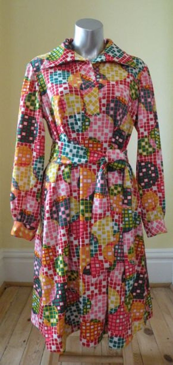 Vintage 1970s Psychedelic Dress in Geometric Peter Max -ish print Tie Waist for Plus or Any Size
