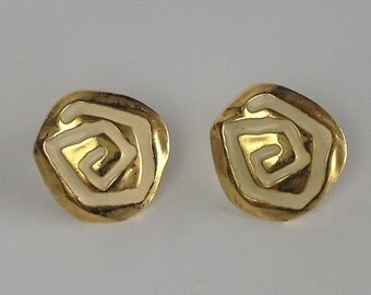Gold colored metal 1980's clip on earrings