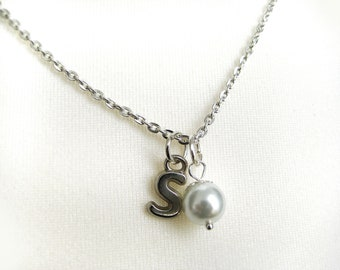 Bridesmaid Pearl Necklaces,  Personalized   Initial Pearl Necklace