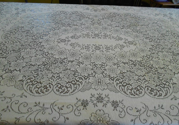 Vintage Quaker Lace Table Cloth - Oblong - 70 x 90 - Antique White