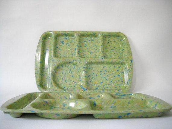 Vintage school lunch trays (set of 2)