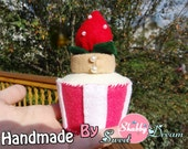 Felt strawberry cupcake Pincushion/Pin keeper/ Felt Toy/Home decor, Handmade/ hand-stitched , No glue  No sewing machine