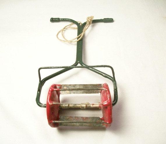 Jd Christmas Tree: Metal Lawn Mower Red And Green Five Inch By TKSPRINGTHINGS