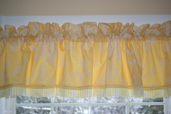 """Yellow White Floral Toile Valance 17"""" x 81"""" Drapery Weight Can Alter Curtain Window Treatment"""
