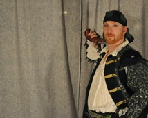 Renaissance Pirate Costume Cosplay Outfit