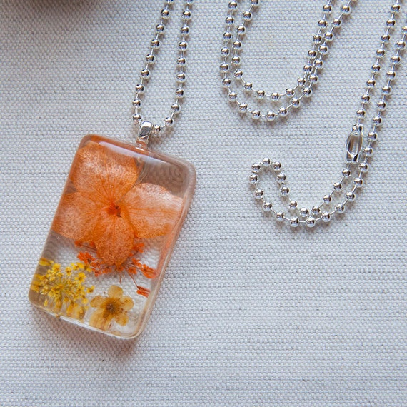 Summer Sun Dried Flowers Crystal Eco Resin Pendant Ball Chain Necklace
