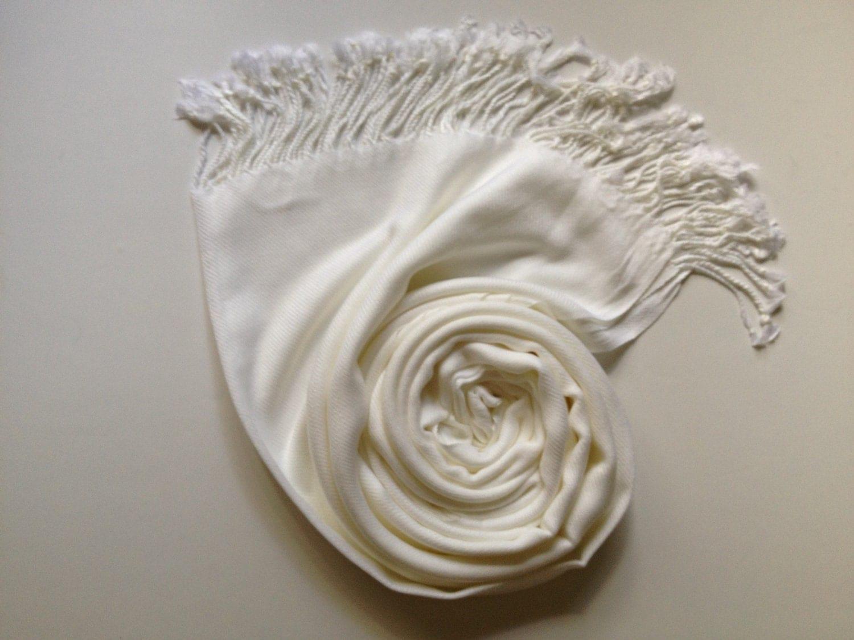 Výsledok vyhľadávania obrázkov pre dopyt pashmina shawl white