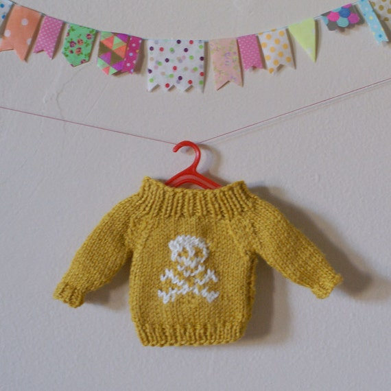 "Hand Knit Wool Blythe 12"" Doll Jumper Mustard with White Skull and Crossbones"