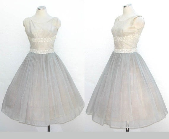 Vintage 50s Wedding Dress / Tea Party Dress / Pale Blue White Nylon Dotted Swiss Lace Fabric / Mad Men / Rockabilly 50s / Dress / Size S