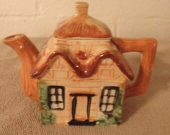 MIJ Cottage Teapot