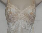 De-Laru by Linda Bernell size 5 6 Ivory Dress Evening Gown