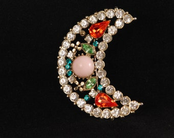 Vintage brooch with colorful stones