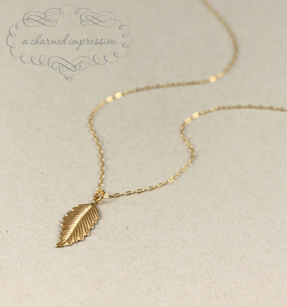 Gold Leaf Necklace . Leaf Gold Necklace . Gold Fill . Nature Jewelry . Courtney Cox . Jennifer Aniston . Simple Everyday Minimalist Jewelry