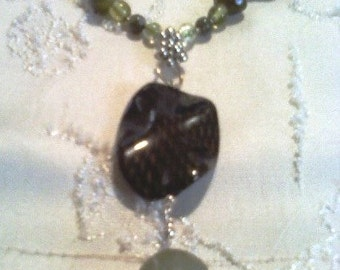 Green Lace Stone Necklace