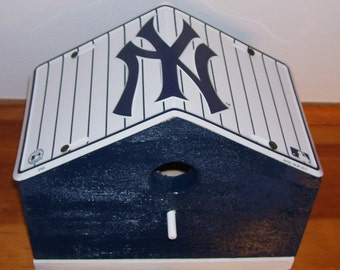 New York Yankees License Plate Birdhouse/Fathers Day Gift, Sports, MLB, Baseball, Birthday, Mothers Day, Christmas Gift