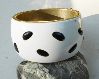 Vintage bangle, a 1960s wide MOD Bangle bracelet chunky white and black