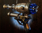 Ray gun number 2.  Steampunk weapon - TheArtOfSpirit
