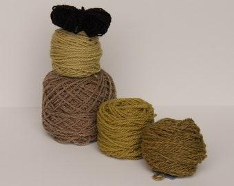 Mitten Kit handmade in Greens and Natural Beige, Celtic Lattice Design
