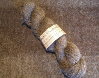 Light Aran Organic, undyed knitting yarn (charcoal)