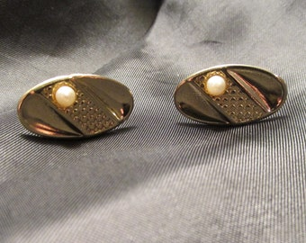 Gold Tone Oval Cuff Links with Faux Pearl