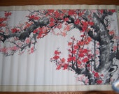 Large Japanese cherry blossom watercolor painting on scroll. Großes japanisches Kirschblütenwasserfarbengemälde auf Rolle